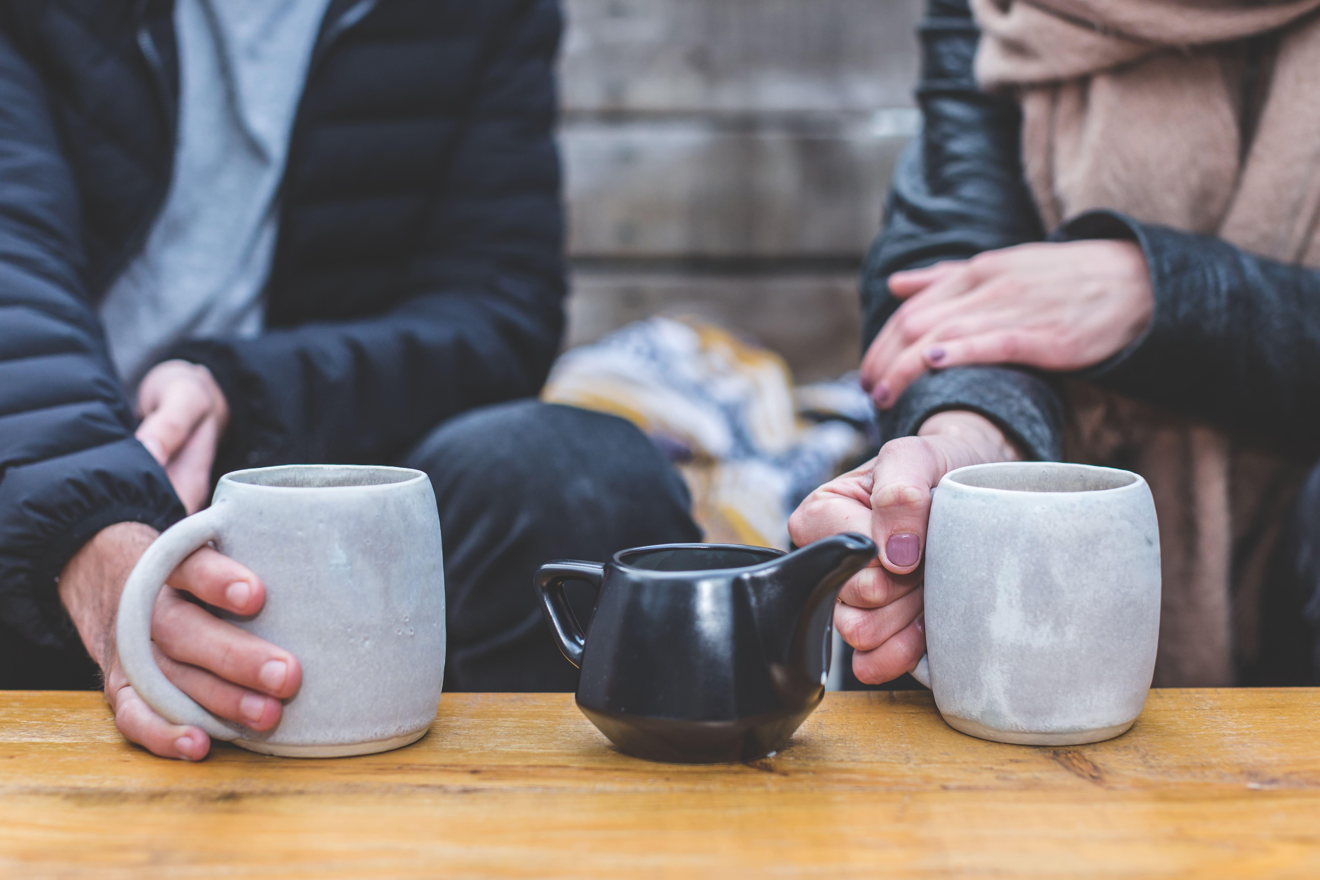 coffee-date-couple-min